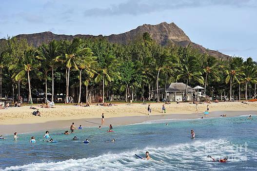 Sami Sarkis - Waikiki beach and Diamond Head