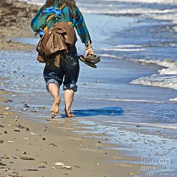 Heiko Koehrer-Wagner - Walking at the Beach