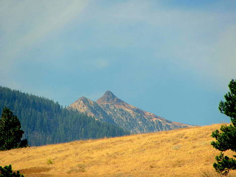 Wallowa Mountain Peakes by Amy Bradley