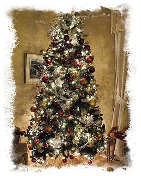 Chantal PhotoPix - Warm and Golden Holiday Atmosphere - Christmas Tree Glowing w Shiny Baubles and Xmas Lights Frame