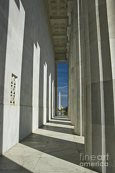 Tim Mulina - Washington Monument from Lincoln Memorial