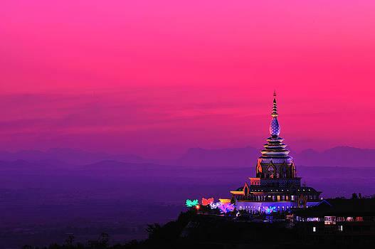 Wat Taton Chaing Mai Thailand by Piyaphon Phemtaweepon