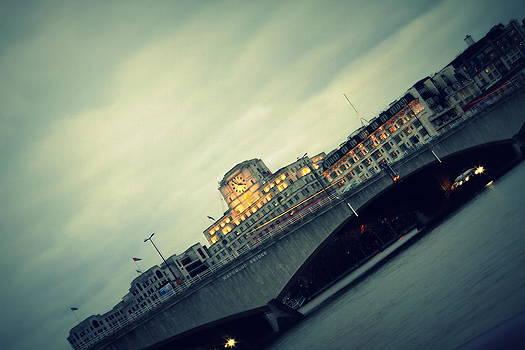 Waterloo Bridge by Jacqui Collett