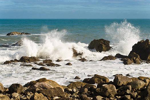 Waves by Graeme Knox