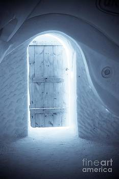 Sophie Vigneault - Welcome to the Ice Hotel