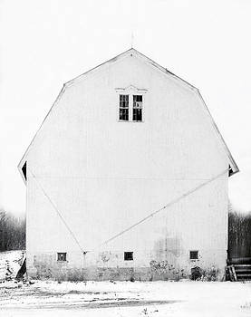 White Barn by T R Maines