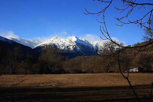 White peaks by Frederic Vigne