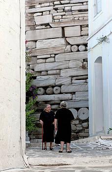 Lorraine Devon Wilke - Widows at the Wall