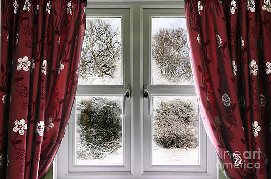 Simon Bratt Photography LRPS - Window view to a snow scene