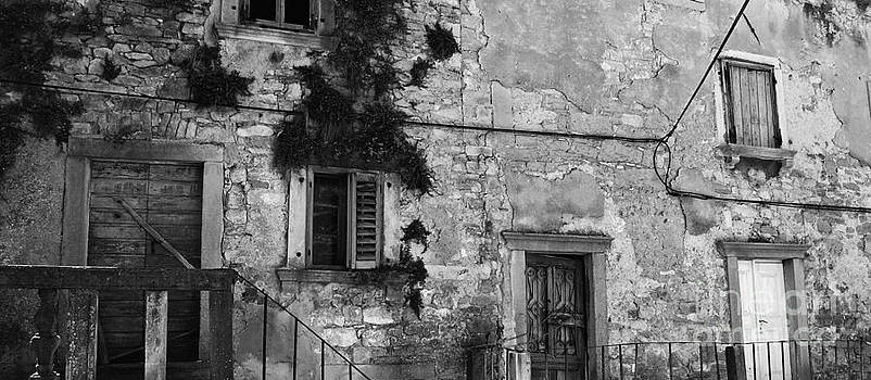 Crumbling in Croatia by Andy Prendy