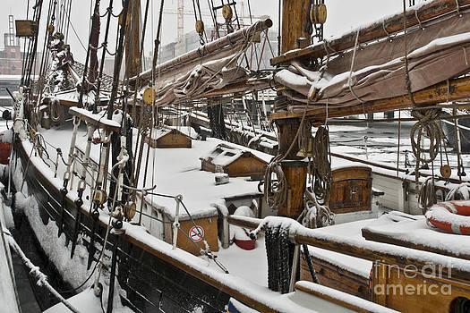 Heiko Koehrer-Wagner - Winter on Deck