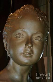 Woman head by Bernard MICHEL