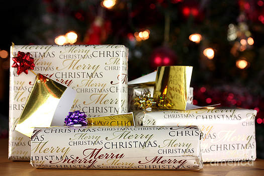 Simon Bratt Photography LRPS - Wrapped gifts with tags