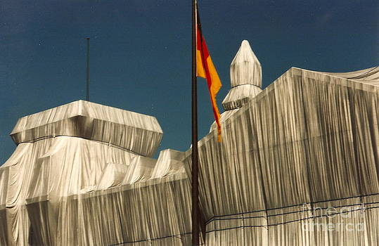 wrapped Reichstag 1 by Roswitha Schmuecker