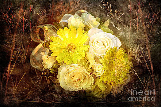 Cindy Singleton - Yellow Gerbera Daisy and White Rose Bridal Bouquet in Nature Setting