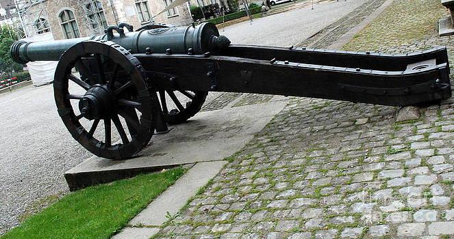 Pravine Chester - Zurich Cannon