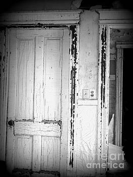 Abandoned by Ashley Vipond