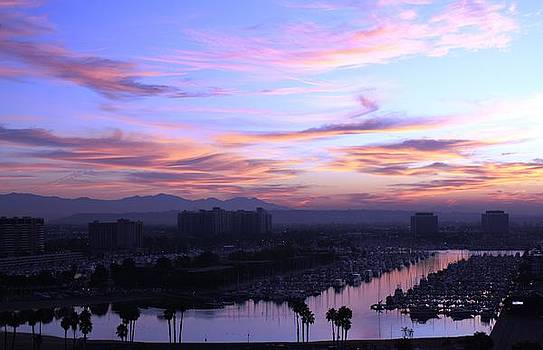 Before the sunrise in Marina Del Rey by Victoria  Johns