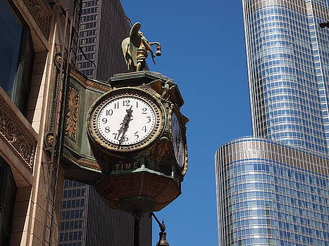 Chicago Street Clock by Guillaume Rodrigue