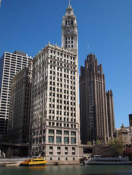 Chicago Tower by Guillaume Rodrigue