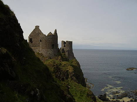 Dunluce Castle by Paul Chestnutt