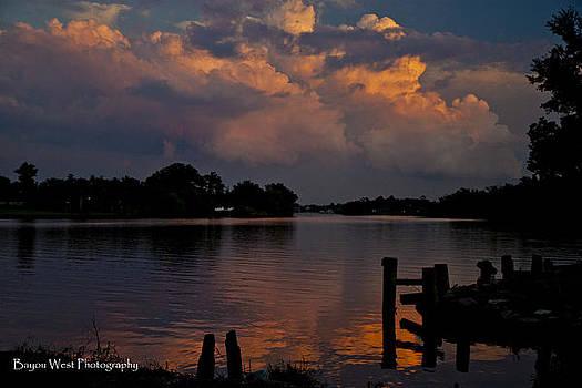 Dusk on The Bayou by Gary  Taylor
