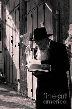 Hasidic Jew Studying by Eli Gray