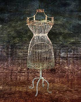 Mannequin De Fil by Lauren Goia