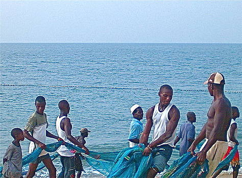 Net Hauling Liberia by Paul Donovan