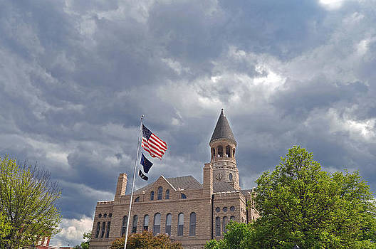 Salem Courthouse by Donnie Smith