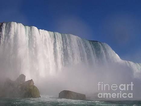 Sheet of Water at Niagara Falls by Paul Jessop