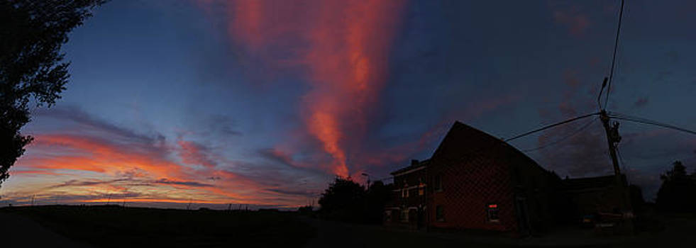 Smoky sunset by Erik Tanghe