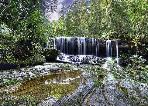Somersby Falls by Barry Culling