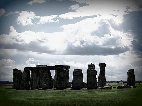 Stonehenge by Ian Kowalski