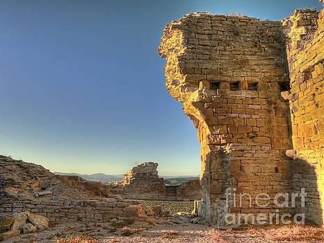 Sun Goes Down on Tiebas Castle by Alfredo Rodriguez