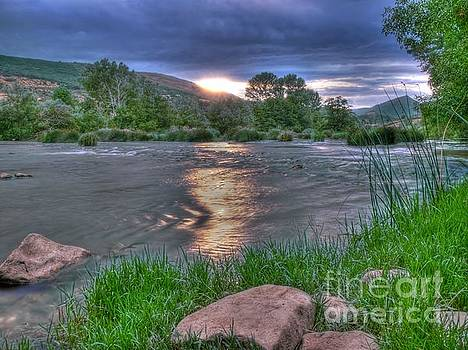 Sundown on the River by Alfredo Rodriguez