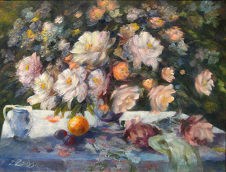 Table with flowers by Ema Radovanovic