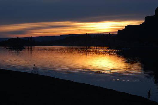 Winter sunset by Edd  Voss
