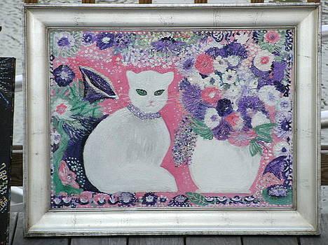 Anne-Elizabeth Whiteway -    White Cat with Silver Frame