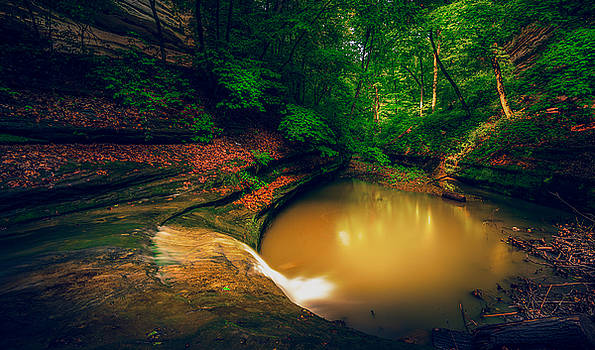 At Starved Rock by Zouhair Lhaloui