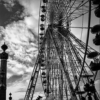 Cyril Jayant -  Big wheel at Place de La Concorde