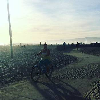 🚴🏼🌴🌊 by Claudia Garcia Trejo