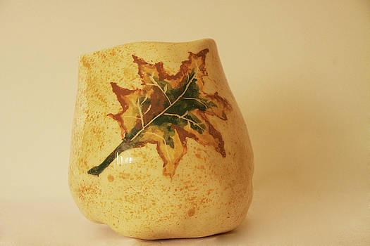 A Pot On A Leaf by Itzhak Richter