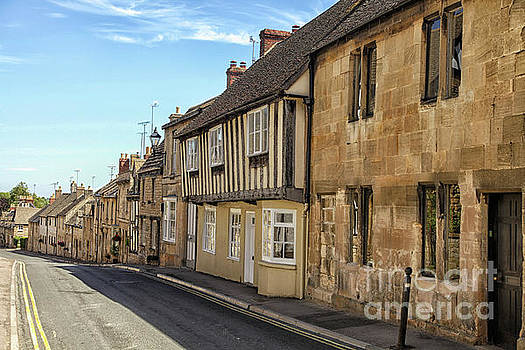 Patricia Hofmeester - A street in the English Cotswolds