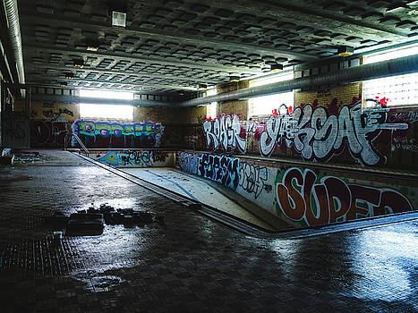 Abandoned Swimming Pool by Dylan Murphy