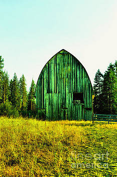 An old Hay barn by Jeff Swan