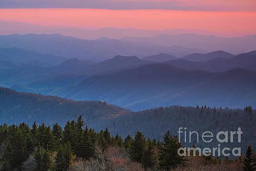 Appalachian light. by Itai Minovitz