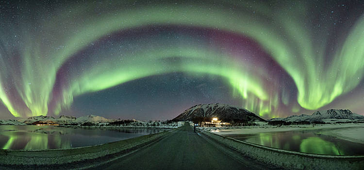 Aurora Panoramic by Frank Olsen