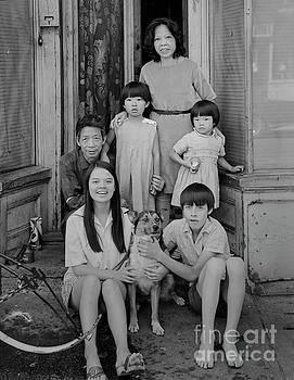 Baldwin Street Family by Lionel F Stevenson