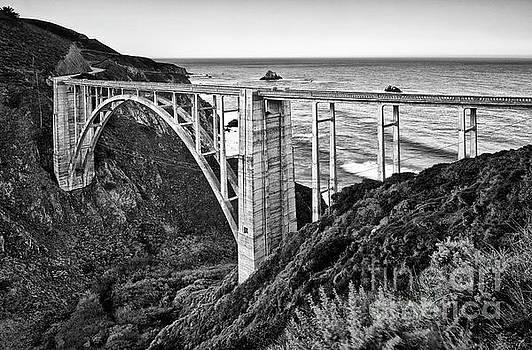 Jamie Pham - Beautiful coastal view of Big Sur in California.